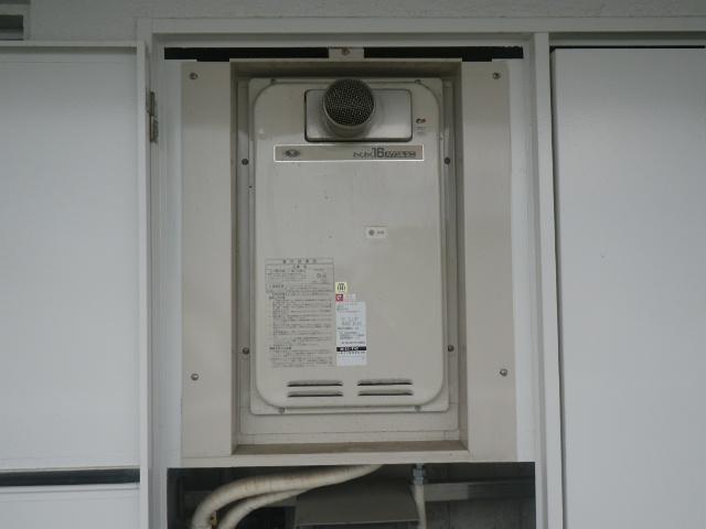 西宮市北昭和町マンション ノーリツ16号 ガス給湯器 取替交換工事施工 33-742 YS1631RGR から GQ-1639WS-T-1