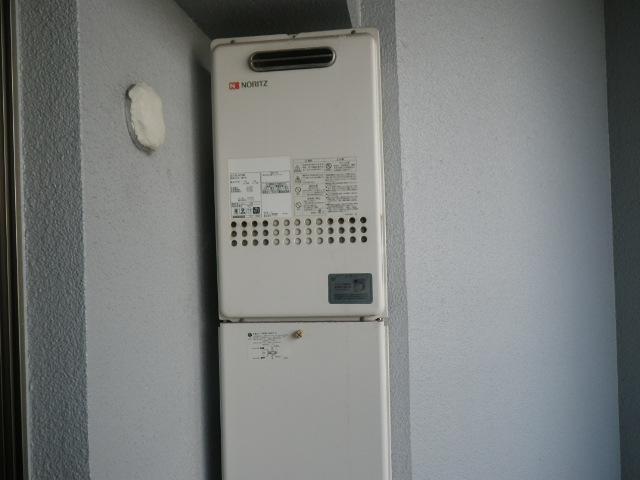 西宮市今津水波町マンション ノーリツ16号ガス給湯器 高温水供給式 取替交換工事施工 GQ-1627AWX から GQ-1627AWX-DX BL