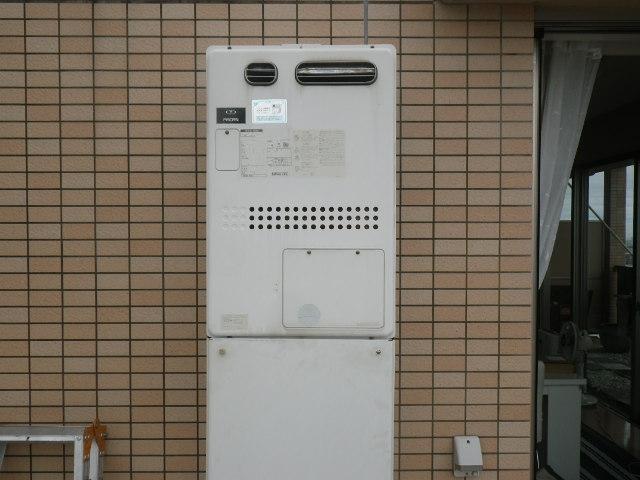 豊中市緑丘マンション ノーリツ24号ガス温水暖房付ふろ給湯器 取替交換工事施工 大阪ガス135-1100A GTH-2417AWX6H から GTH-2444AWX6H-1