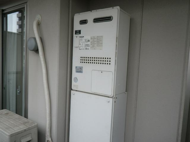 尼崎市潮江マンション ノーリツ24号ガス温水暖房付ふろ給湯器 取替交換工事施工 大阪ガス135-N050 GTH-2434AWX6H から GTH-2444AWX3H-1 BL