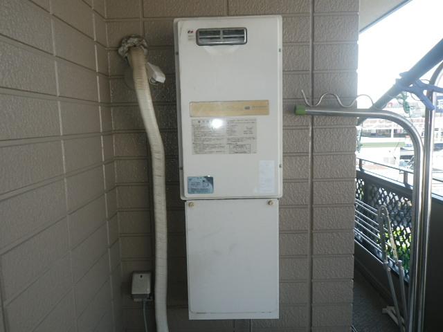 伊丹市瑞穂町ハイツ ノーリツ16号ガス給湯器 取替交換工事施工 日立KS-1680LBH から GQ-1639WS-1