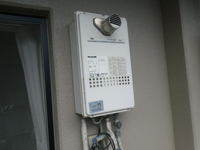 尼崎市西難波町マンション ノーリツ ガス給湯器 高温水供給式 取替交換工事施工 131-H812 から GQ-1627AWX-T-DX BL