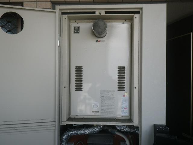 大阪市西淀川区大和田マンション ノーリツ24号ガス給湯器 高温水供給式 取替交換工事施工 大阪ガス 暖房付 44-626 YG2401RG から GQ-2427AWX-T-DX BL