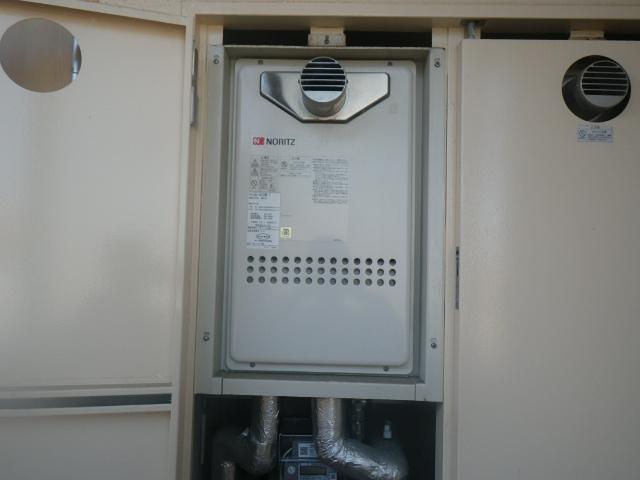 西宮市高木東町マンション ノーリツ16号ガス給湯器 取替交換工事施工 GQ-1612WE-T から GQ-1639WS-T-1
