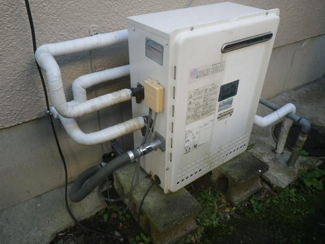 川西市萩原台西 戸建住宅 ノーリツ20号エコジョーズ ガスふろ給湯器 取替交換工事施工 日立ハウステックKZ-208SA から GRQ-C2062SAX