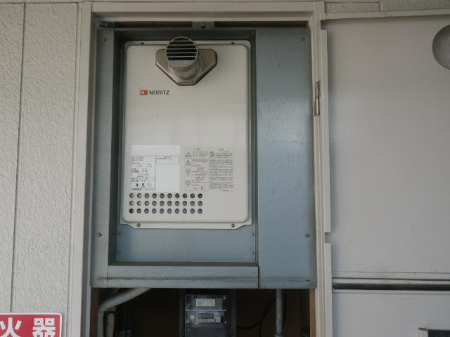 尼崎市下坂部ハイツ ノーリツ16号ガス給湯器 取替交換工事施工 GQ-1623WA-T  から GQ-1639WS-T-1