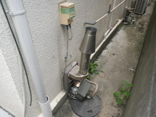 尼崎市上之島 住宅 ノーリツ ガス風呂釜 電池点火式 取替交換工事施工 オカキン セミ釜 から GSY-132D