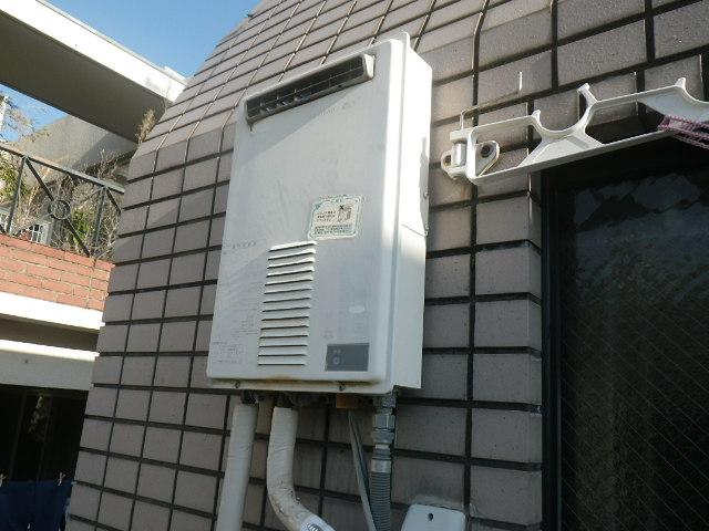 神戸市兵庫区湊川町マンション ノーリツ16号ガス給湯器 取替交換工事施工 日立化成 KS1660 から GQ-1639WS-1