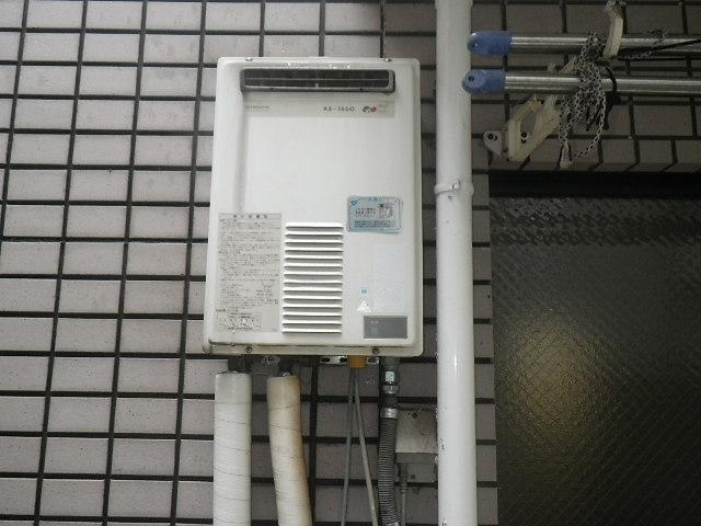 神戸市東灘区森南町マンション ノーリツ16号ガス給湯器 取替交換工事施工 日立化成 KS1660LBH から GQ-1639WS-1