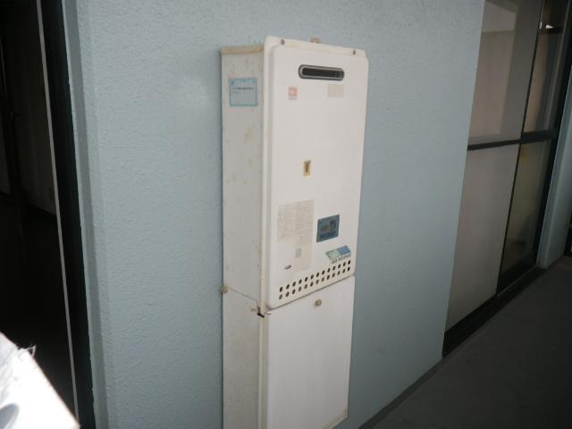 西宮市甲子園 マンション ノーリツ16号ガス給湯器 取替交換工事施工 GQ-1610WE から GQ-1639WS-1