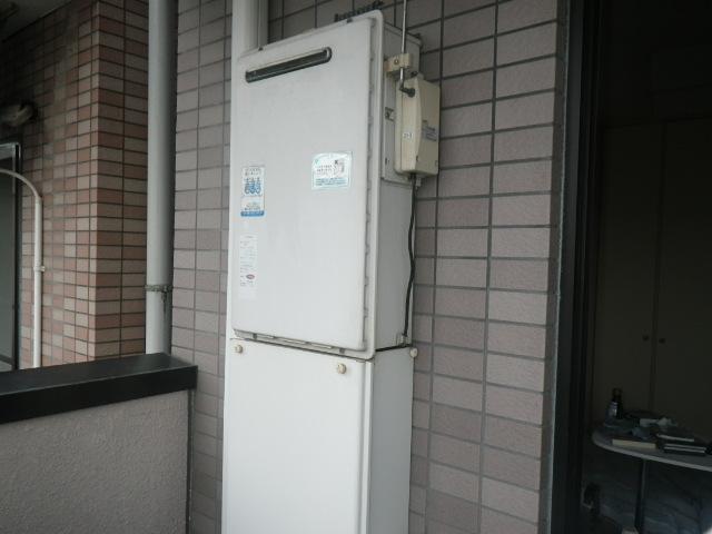 尼崎市立花町 マンション リンナイ16号ガス給湯器 電波リモコン 取替交換工事施工 ナショナルGW-16Y2 から RUX-A1616W-E