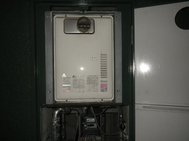 神戸市兵庫区塚本通マンション ノーリツ16号ガス給湯器 取替交換工事施工 RUX-1616PSOT-E から GQ-1639WS-T-1