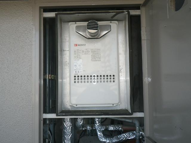 伊丹市荻野マンション ノーリツ16号ガス給湯器 取替交換工事施工 GQ-1612WE-T から GQ-1639WS-T-1