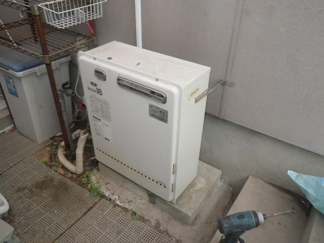 大阪府茨木市山手台 戸建住宅 ノーリツ16号ガス風呂給湯器 屋外壁掛型 取替交換工事施工 大阪ガス 131-6060 GRQ-1617SAX から GT-1660SAWX-1