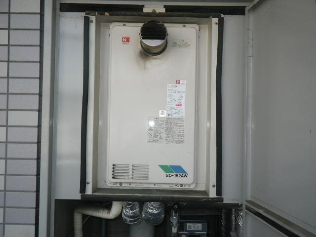 神戸市東灘区本庄町マンション ノーリツ16号 ガス給湯器 高温水供給式取替交換工事施工 GQ-162AW-T から GQ-1626AWX-60T-DX BL