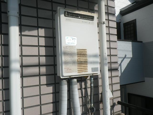 神戸市兵庫区中道通マンション ノーリツ16号ガス給湯器 取替交換工事施工 日立ハウステック KS-1660LBH から GQ-1639WS-1