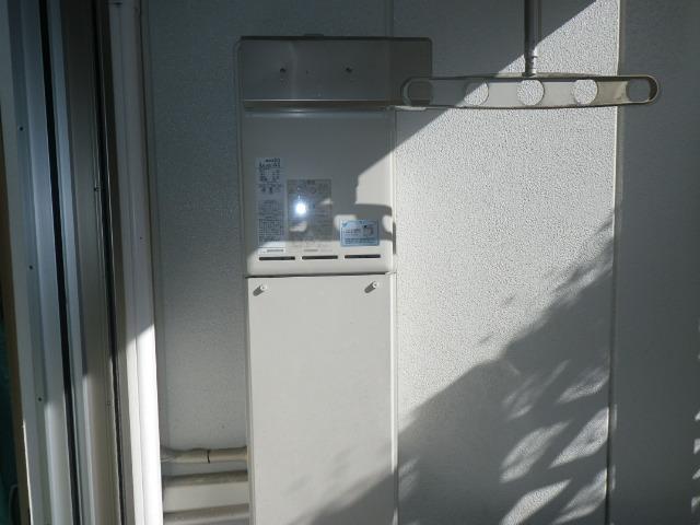 尼崎市竹谷町マンション リンナイ 20号ガス給湯器 取替交換工事施工 RUX-A2011W-E から RUX-A2016W-E