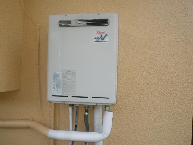 伊丹市清水 戸建住宅 ノーリツ20号ガスふろ給湯器 取替交換工事施工 リンナイRUF-V2005SAW から GT-2060SAWX-1 BL