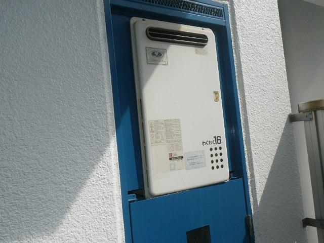 神戸市東灘区本山北町マンション ノーリツ16号ガス給湯器 取替交換工事施工 大阪ガス33-585 GQ-1621WX から GQ-1639WS-1