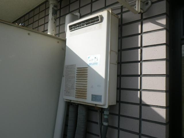 兵庫県芦屋市春日町マンション ノーリツ16号ガス給湯器 取替交換工事施工 日立ハウステック KS-1660LBH から GQ-1639WS-1