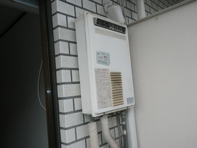 神戸市東灘区住吉南町マンション ノーリツ16号ガス給湯器 取替交換工事施工 日立ハウステック KS-1660LBH から GQ-1639WS-1
