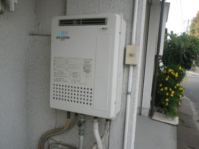 尼崎市三反田町 戸建住宅 ノーリツ20号ガスふろ給湯器 取替交換工事施工 チョーフ GFK-200PKA から GT-2060SAWX-1 BL