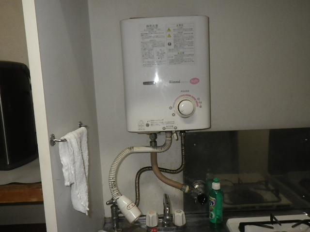 神戸市東灘区森南町 戸建住宅 リンナイ 5号瞬間湯沸器 取替交換工事施工 RUS-51JT から RUS-V51YT