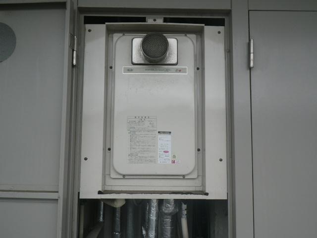 神戸市東灘区深江本町 マンション ノーリツ24号ガス給湯器 高温差し湯 取替交換工事施工 大阪ガス 31-743 YV2422RG から GQ-2427AWX-T-DX BL