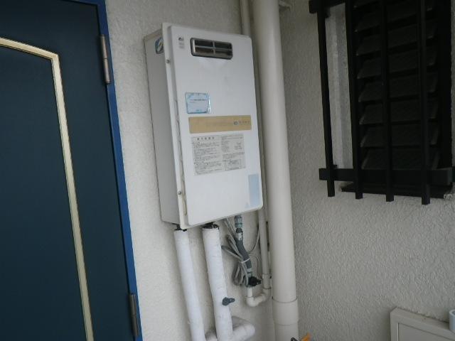 神戸市東灘区御影本町 マンション ノーリツ16号ガス給湯器 取替交換工事施工 日立化成 KS-1680LBH から ノーリツ GQ-1639WS-1