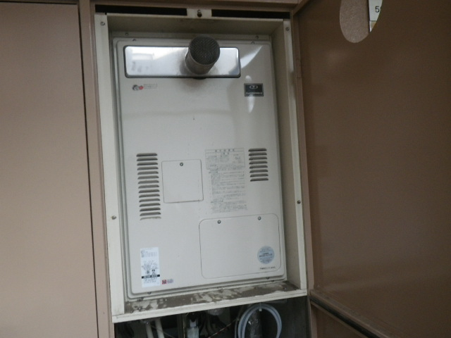 神戸市中央区加納町マンション リンナイ16号ガス給湯暖房用熱源機 取替交換工事施工 大阪ガス 135-8002 YG1639RG から RUH-V1613T(A)