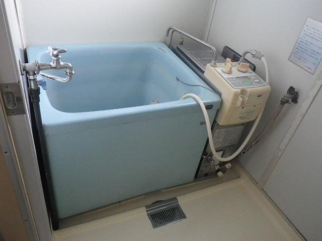 尼崎市田能 団地 ハウステック 16号 カベピタパックイン 浅型浴槽 取替交換工事施工 大阪ガス 32-853 GBSQ-1010DAS から WF-1613AT、他