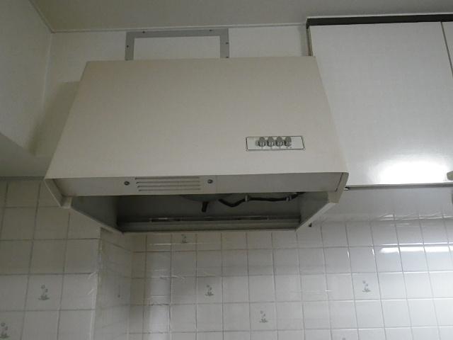 伊丹市中央マンション 三菱レンジフード 60センチ 取替交換工事施工 V-602K8-M