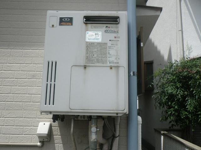 尼崎市西難波町 戸建住宅 ノーリツ 24号 エコジョーズ ガスふろ給湯器 取替交換工事施工 大阪ガス 135-T400A GH-SK2401ZW から GT-C2462SAWX