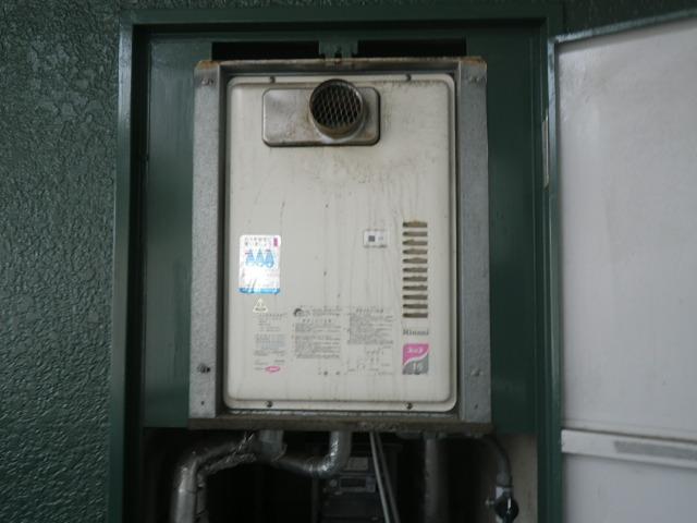 神戸市兵庫区塚本通 マンション ノーリツ 16号ガス給湯器 取替交換工事施工 リンナイ ガス給湯器 RUX-1611PSOT-E から GQ-1639WS-T-1
