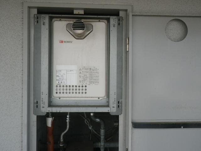 神戸市東灘区本庄町マンション ノーリツ16号ガス給湯器 取替交換工事施工 GQ-1623WA-T から GQ-1639WS-T-1