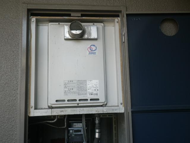 神戸市東灘区住吉東町マンション ノーリツ16号ガス給湯器 取替交換工事施工 パーパス GA-1600T-1 から GQ-1639WS-T-1