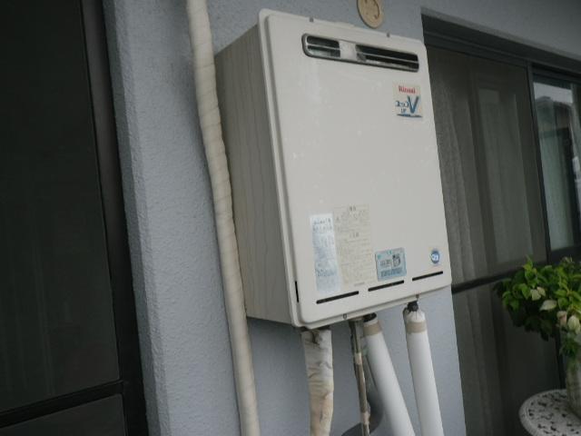 神戸市東灘区御影中町マンション ノーリツ 16号ガスふろ給湯器 取替交換工事施工 リンナイ RUF-V1615SAW から GT-1660SAWX-1 BL