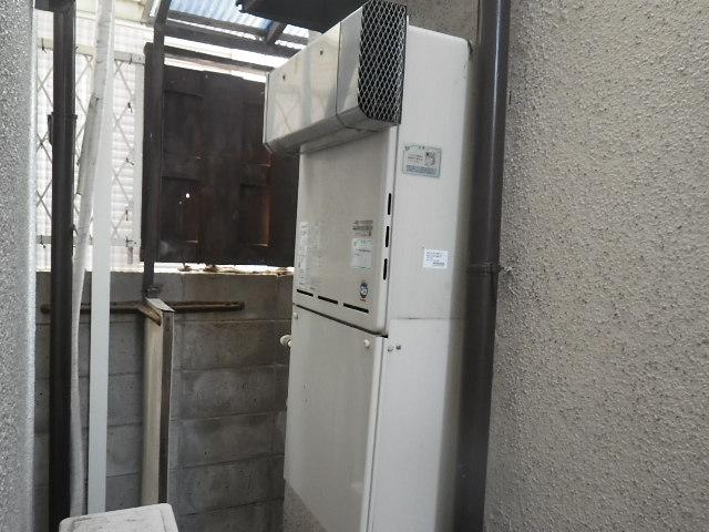 尼崎市名神町 戸建住宅 リンナイ16号エコジョーズ ガスふろ給湯器 取替交換工事施工 RUF-A1610SAW(A) から RUF-E166SAW