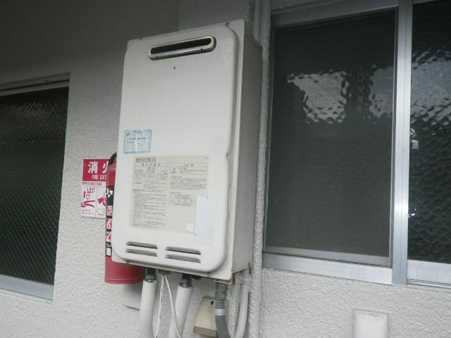 尼崎市立花町マンション ノーリツ16号ガス給湯器 取替交換工事施工 ハーマンYS1639R から GQ-1639WS-1