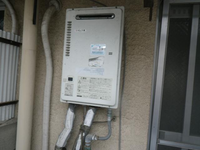 尼崎市武庫町マンション ノーリツ16号ガス給湯器 取替交換工事施工 TOTO RGH-16CF5-S から GQ-1639WS-1