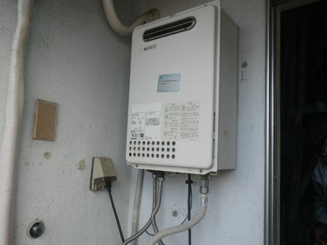 大阪市西淀川区 マンション ノーリツ20号ガス給湯器 取替交換工事施工 GQ-2023WA から GQ-2039WS-1