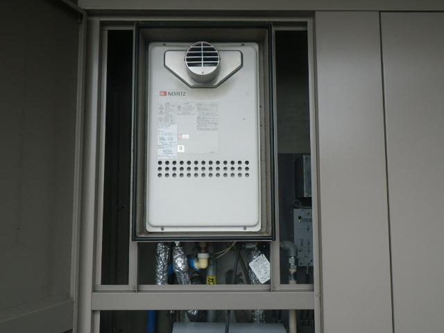 兵庫県西宮市 マンション ノーリツ24号ガス給湯器 高温差し湯 取替交換工事施工 GQ-2413AW-T から GQ-2427AWX-T-DX BL