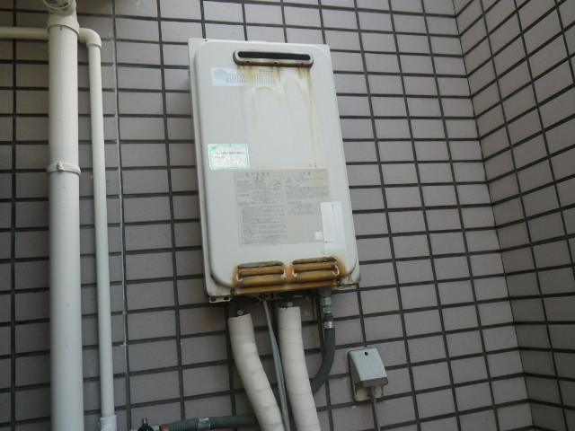 神戸市兵庫区塚本通マンション ノーリツ16号ガス給湯器 取替交換工事施工 日立ハウステック KS-164LBH から GQ-1639WS-1