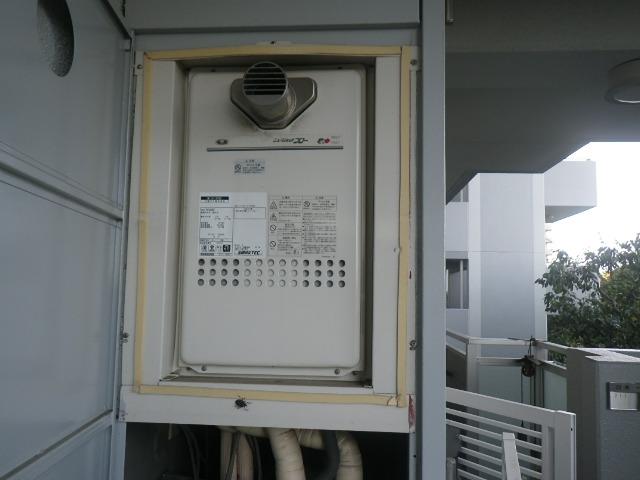 三田市狭間が丘マンション ノーリツ16号ガス給湯器 ジェットフロー 取替交換工事施工 大阪ガス131-H702 YV1660RT から GQ-1627AWX-T-DX BL