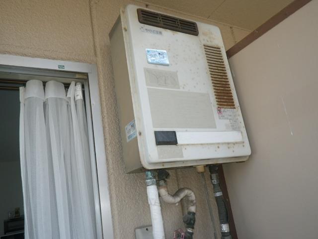 芦屋市平田町マンション ノーリツ16号ガス給湯器 取替交換工事施工 TOTO RGH1600NB から GQ-1639WS-1