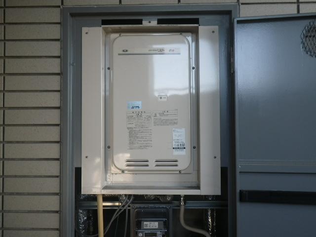 尼崎市久々知 マンション ノーリツ16号ガス給湯器 高温水供給式 取替交換工事施工 大阪ガス 131-8085A から GQ-1627AWX-TB-DX BL
