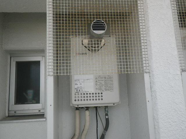 尼崎市西難波町 マンション ノーリツ16号ガス給湯器 排気延長タイプ 取替交換工事施工 GQ-1637WS-T から GQ-1639WS-C-1