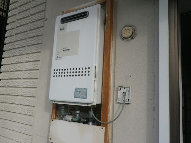 尼崎市富松町マンション ノーリツ16号ガス給湯器 取替交換工事施工 大阪ガス34-315 から GQ-1639WS-1