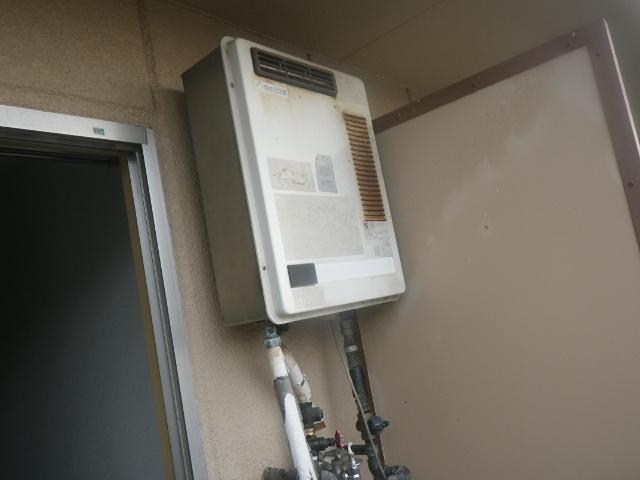 尼崎市塚口本町マンション ノーリツ16号ガス給湯器 取替交換工事施工 TOTO RGH-1600NB から GQ-1639WS-1