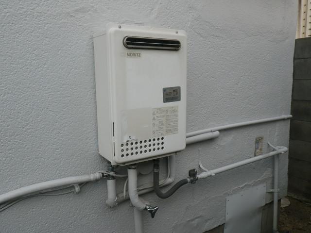 尼崎市富松町 戸建住宅 16号ガス給湯器 取替交換工事施工 GQ-2023WA から GQ-1639WS-1